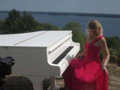 Аренда рояля в Киеве, аренда рояля на выставку, презентацию, кон