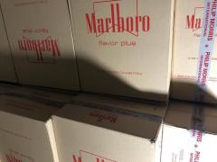 Selling cigarettes Marlboro red duty cardboard